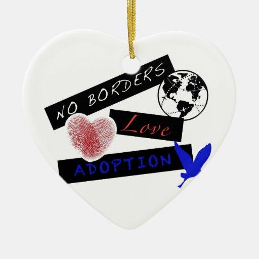 Amor sin el ornamento de la adopción de las adorno navideño de cerámica en forma de corazón