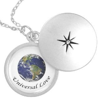 Amor universal en la tierra medallón