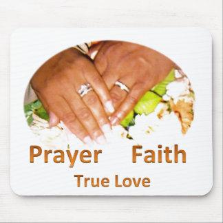 Amor verdadero de la fe del rezo tapetes de ratones