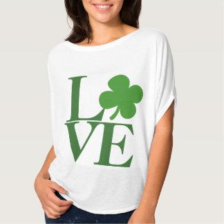 Amor verde bonito del trébol remera