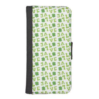 Amor verde del trébol fundas tipo billetera para iPhone 5