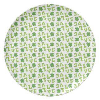 Amor verde del trébol plato