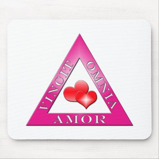 Amor Vincit Omnia Alfombrillas De Ratones
