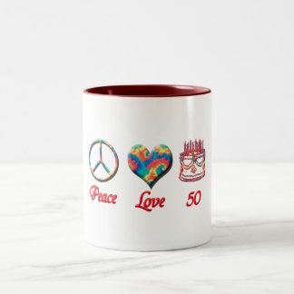 Amor y 50 de la paz taza