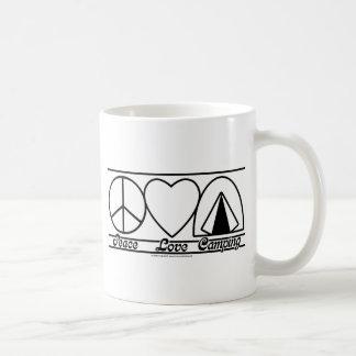 Amor y el acampar de la paz tazas de café