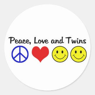 Amor y gemelos de la paz pegatina redonda