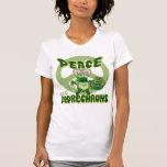 Amor y Leprechauns de la paz Camiseta