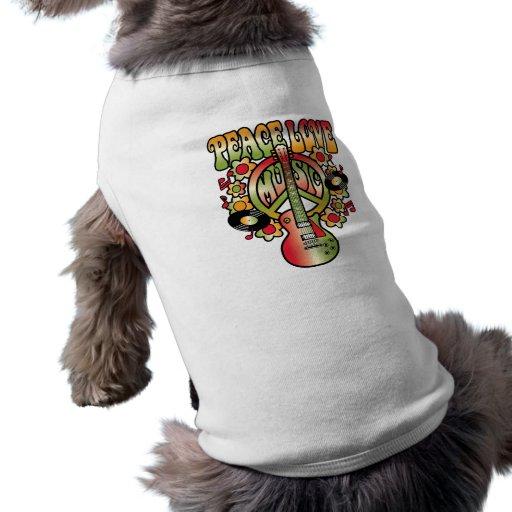 Amor y música de la paz camisa de perro