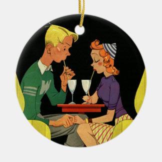 Amor y romance, adolescencias del vintage en la adorno redondo de cerámica