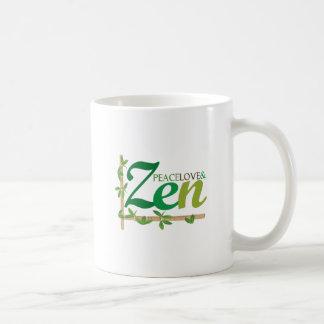 Amor y zen de la paz taza básica blanca