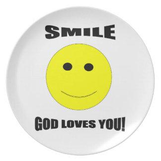 Amores de dios de la sonrisa que usted platea plato