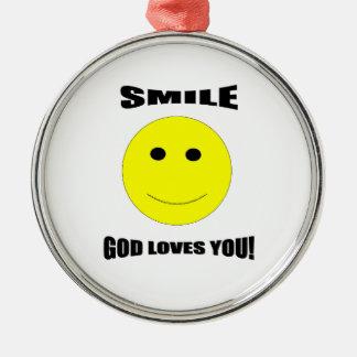 Amores de dios de la sonrisa usted ornamento del adorno navideño redondo de metal