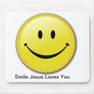 Amores de Jesús de la sonrisa usted cojín de ratón Tapetes De Ratones