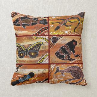 Amortiguador/almohada aborígenes del collage cojín decorativo