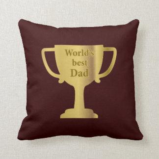 Amortiguador del papá del mundo de la taza del oro almohada