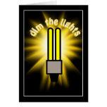 Amortigüe la luz del ahorro de la energía 2u tarjeta de felicitación