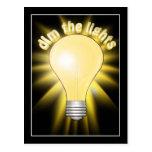 Amortigüe las luces - bombilla tarjeta postal