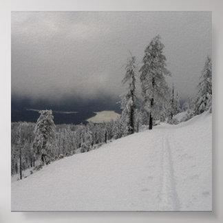 Ampliación de la foto de la montaña del casco de póster