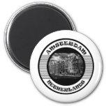 AMSTERDAM BLACK AND WHITE MAGNET