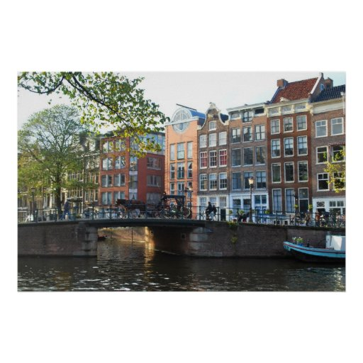 From its charming cobbled streets to its vibrant art scene, the Dutch capital of Amsterdam offers tonnes of things to do. Made up of great museums, art galleries, quirky cafés, restaurants and epic clubs, Amsterdam is a brilliant destination.