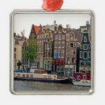 Amsterdam, casas en el canal adorno navideño cuadrado de metal