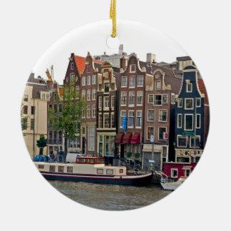 Amsterdam, casas en el canal adorno navideño redondo de cerámica
