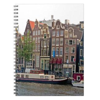 Amsterdam, casas en el canal libretas espirales