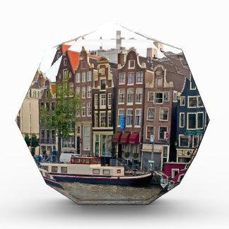 Amsterdam casas en el canal
