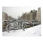 Amsterdam en invierno en los Países Bajos Postal