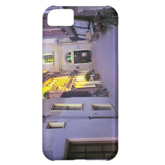 Amsterdam, quiet courtyard iPhone 5C cover