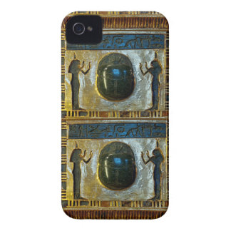 Amuleto egipcio del escarabajo con ISIS iPhone 4 Funda