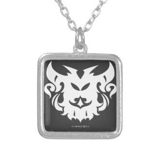 Amuleto: Los cuernos de la Bull: Por Danny Carrera Colgante Cuadrado