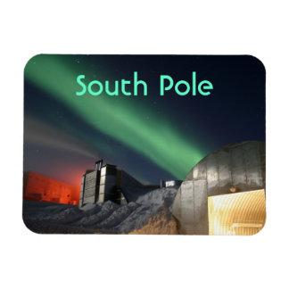 Amundsen-Scott South Pole Station, Southern Lights Magnet