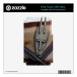 An African mask with a spears iPod Touch 4G Skin