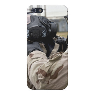 An Airman assists his wingman Case For iPhone SE/5/5s