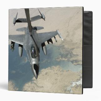 An F-16 Fighting Falcon refuels Binders