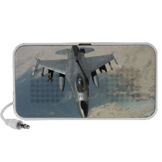 An F-16 Fighting Falcon refuels iPod Speakers