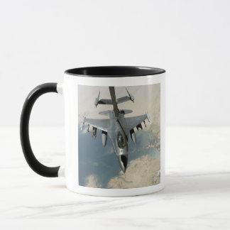 An F-16 Fighting Falcon refuels Mug