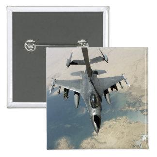 An F-16 Fighting Falcon refuels Pin
