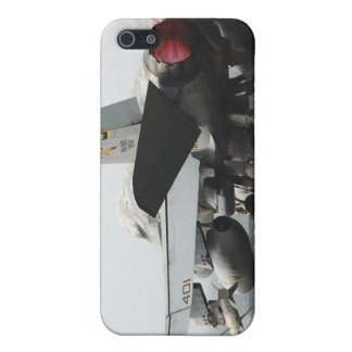An F/A-18C Hornet launches from the flight deck 2 iPhone SE/5/5s Cover