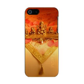 An Indian lamp with Ganesha Idol Incipio Feather® Shine iPhone 5 Case