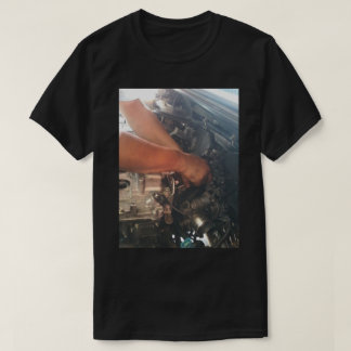 An XL t-shirt for men with a mechanic design