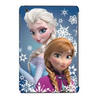 Ana y Elsa con los copos de nieve Fundas De iPad Mini Retina