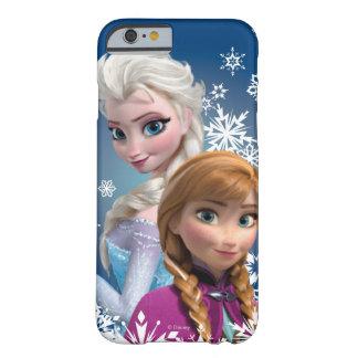 Ana y Elsa con los copos de nieve Funda Para iPhone 6 Barely There