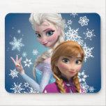 Ana y Elsa con los copos de nieve Tapete De Ratón