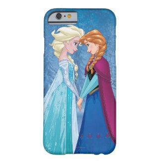 Ana y Elsa el   junto para siempre Funda Para iPhone 6 Barely There