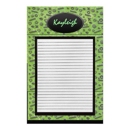 Añada a su diseñador verde conocido inmóvil papelería