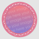 Añada a sus pegatinas de la foto, marco rosado del etiquetas redondas