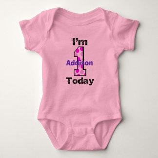Añada camisa del chica del cumpleaños del nombre