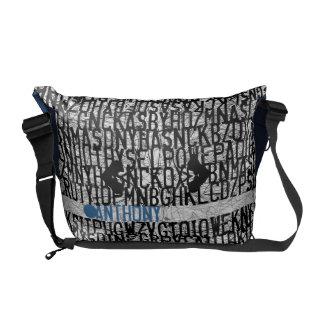Añada el bolso azul del código conocido del alfabe bolsas messenger